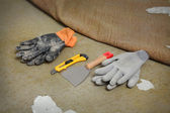 Home renovation, carpet remove tools — Stock Photo