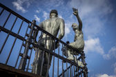 """Sculpture named """"people like us"""", in Cardiff Bay — Stock Photo"""