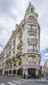 Typical Parisian Architecture — Stock Photo