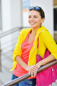 Outdoor portrait of colorful clothes gorgeous fashion girl — ストック写真