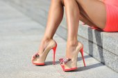 Woman legs wearing high heels. Outdoor fashion shoot — Stock Photo