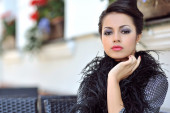 Glamour portrait of beautiful woman model with fresh makeup  — Stock Photo