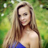 Portret z bliska piękne dziewczyny — Zdjęcie stockowe