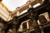 Sunlight on Adalaj Stepwell in Ahmedabad — Stock Photo