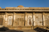 Facade of Sarkhej Roza mosque in Ahmedabad — Stock Photo