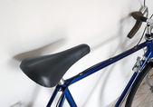 Leather saddle of touring bicycle — Stock Photo