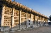 Exterior of Sarkhej Roza mosque in Ahmedabad — Stock Photo
