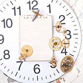 Бумага и старых передач механических часов — Стоковое фото