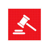 Hammer judge icon. gavel law legal hammer. red square button — Stock Vector