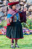 Woman weaving peruvian Andes  Cuzco Peru — Zdjęcie stockowe