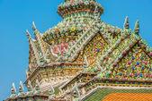 Chedi rooftop detail grand palace bangkok Thailand — Stock Photo