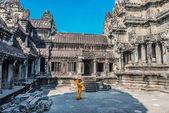 Buddhist monk temple courtyard Angkor Wat Cambodia — Стоковое фото