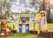 Entrepreneur Kids Selling Drinks at Lemonade Stand — Stock Photo