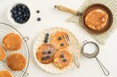 Pancakes with blueberries — Stock Photo