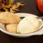 Pumpkin scones and vanilla ice cream — Stock Photo #54083581