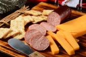 Summer sausage and cheese — 图库照片