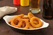 Onion rings and beer — Stock Photo