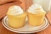 Two Peach cupcakes — Stock Photo