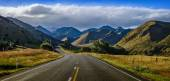 Straight empty road in the mountain, New Zealand — Stock Photo