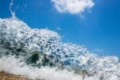 Wave hitting the beach  — Stock Photo