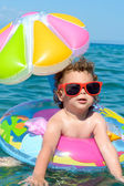 Child enjoy in the summer time — Stock Photo