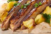 Prepared ribs and potatoes — Stockfoto