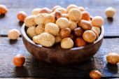 Asian peanuts in the wooden bowl — Stock Photo