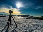 Camera shooting mountin landscape — Stock Photo