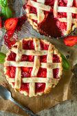Tart cakes stuffed with strawberries sauce — Stock Photo