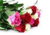 Buquê de rosas multicoloridas, isolado no fundo branco com — Fotografia Stock