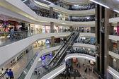 Внутренний вид торговый центр Таймс-Сквер и офисная башня — Стоковое фото
