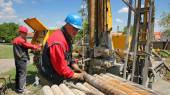 Oil Workers at Work — Stock Photo