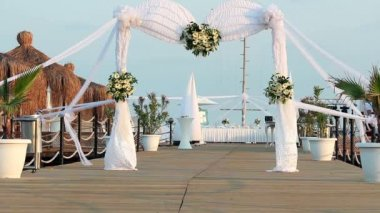 Wedding arch decorated with flowers — Video Stock
