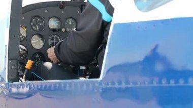 Pilot checking flight instruments — Stock Video