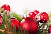 Christmas baubles with evergreen fir foliage — Foto de Stock