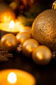 Warm gold Christmas candlelight background — 图库照片
