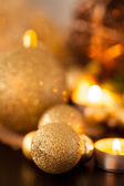 Warm gold Christmas candlelight background — ストック写真