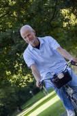 Komuta sizde binicilik bisiklet — Stok fotoğraf