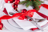 Romantic red Christmas table setting — Stock Photo