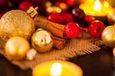 Gold and red Christmas candlelight — Photo