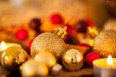 Gold and red Christmas candlelight — Stok fotoğraf