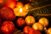 Gold and red Christmas candlelight — 图库照片