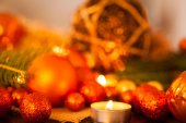 Gold and red Christmas candlelight — Stock Photo