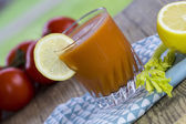 Freshly squeezed vegetable juice — Stock Photo