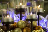 Pitoresk Sunni Noel süslemeleri ve mumlar — Stok fotoğraf