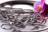 Metal surgical instruments orchid — Foto Stock