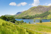 Beautiful lake of Buttermere The lakes National Park Cumbria England uk on a beautiful sunny summer day — Stock Photo