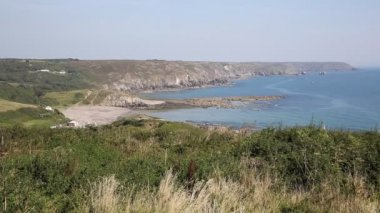 The Lizard coastline Kennack Sands Cornwall the Heritage coast South West England on a sunny summer day — Stock Video