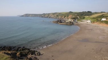 Kennack Sands Cornwall the Lizard Heritage coast South West England on a sunny summer day — Stock Video