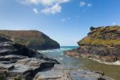 View from Boscastle harbour to the coast North Cornwall between Bude and Tintagel England UK on a beautiful sunny blue sky day — Stock Photo